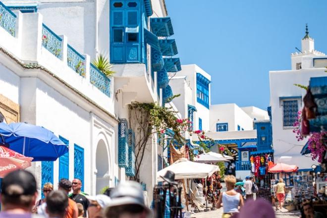 Na początku sierpnia wraz z moją lepszą połową wybrałem się na długo oczekiwany urlop. W tym roku padło na Tunezję. Generalnie jest to bardzo ciekawy i barwny kraj, w którym można zetknąć się z najbardziej europejską odmianą islamu. Podczas pobytu w tym kraju udało mi się uchwycić kilka ciekawych chwil, [...]